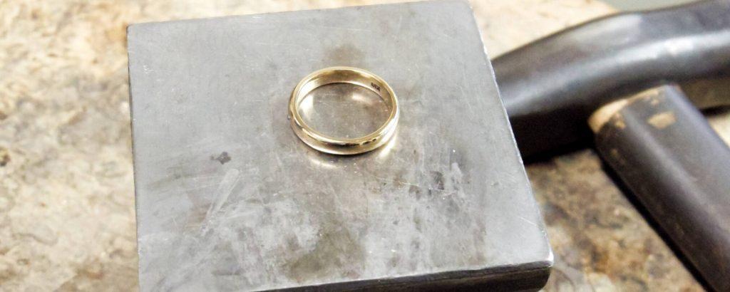 指輪ととんかち