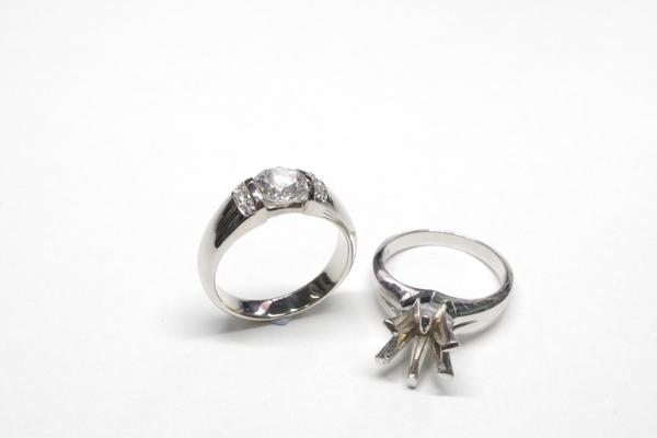 立て爪のダイヤリングのリフォーム・リメイク