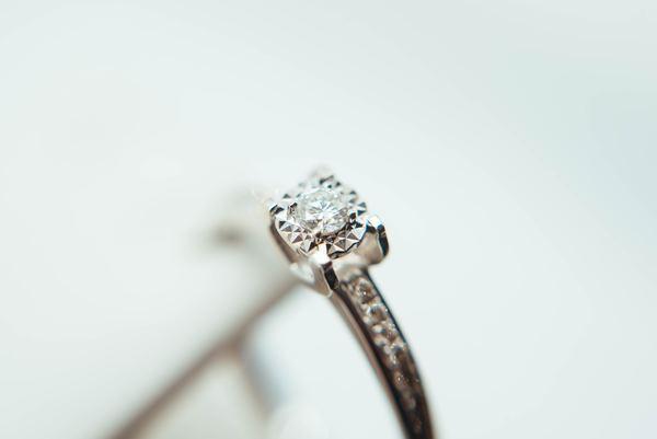指輪のリフォーム・リメイク|形見や思い出のジュエリーはどんなものに生まれ変わる?
