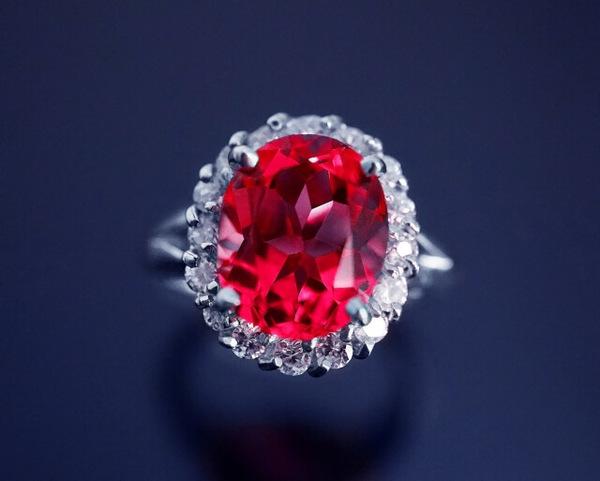 ルビーのリフォーム|指輪やネックレスにして情熱的な輝きを!