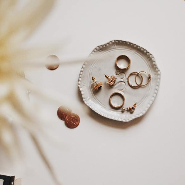 指輪リフォームの地金(じがね)はどう使う?|プラチナやゴールドの有効活用法!