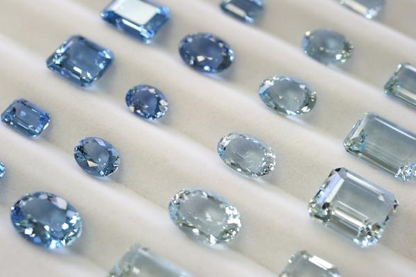 アクアマリンの手入れ方法|透明感のある宝石を美しく保つためにするべきこと