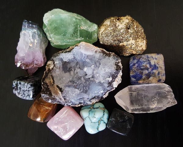 日本で採れる宝石は16種類|採掘スポットも紹介