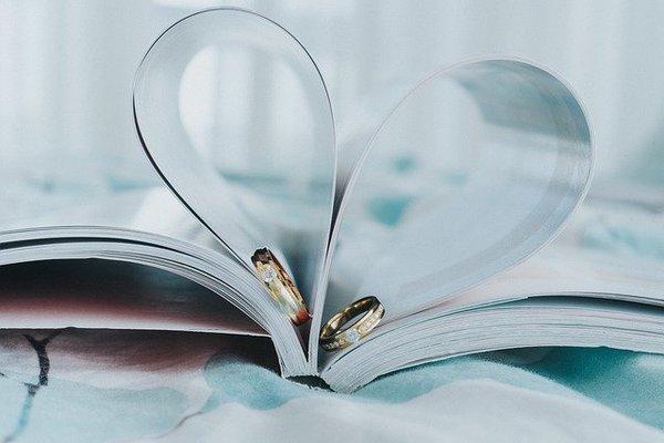 結婚指輪の種類やデザイン|自分に合った選び方のポイントは?