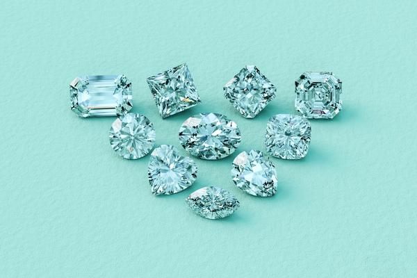 【20代】一粒ダイヤネックレス|ダイヤの選び方やコーディネートを紹介
